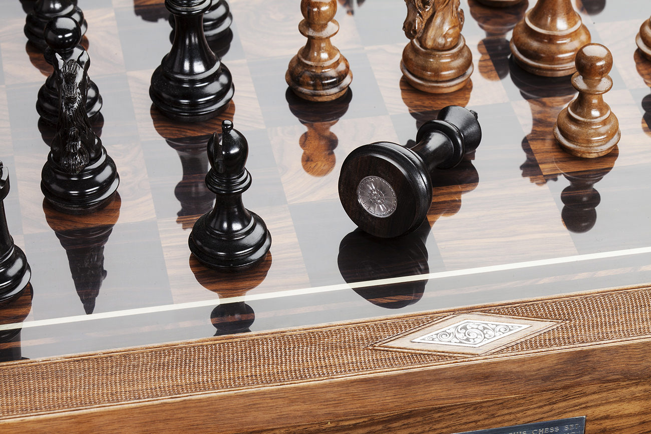Holland-&-Holland-Chess-Set-7