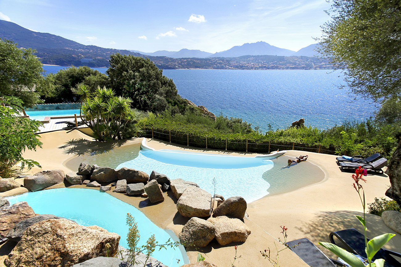 Le marinca h tel spa une invitation au voyage for Cannes piscine municipale