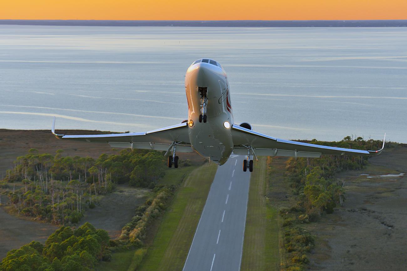 Falcon-900-LX-1