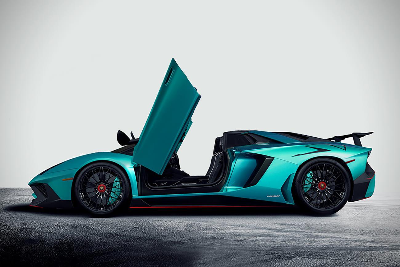 Lamborghini-Aventador-LP750-4-SuperVeloce-Roadster-2