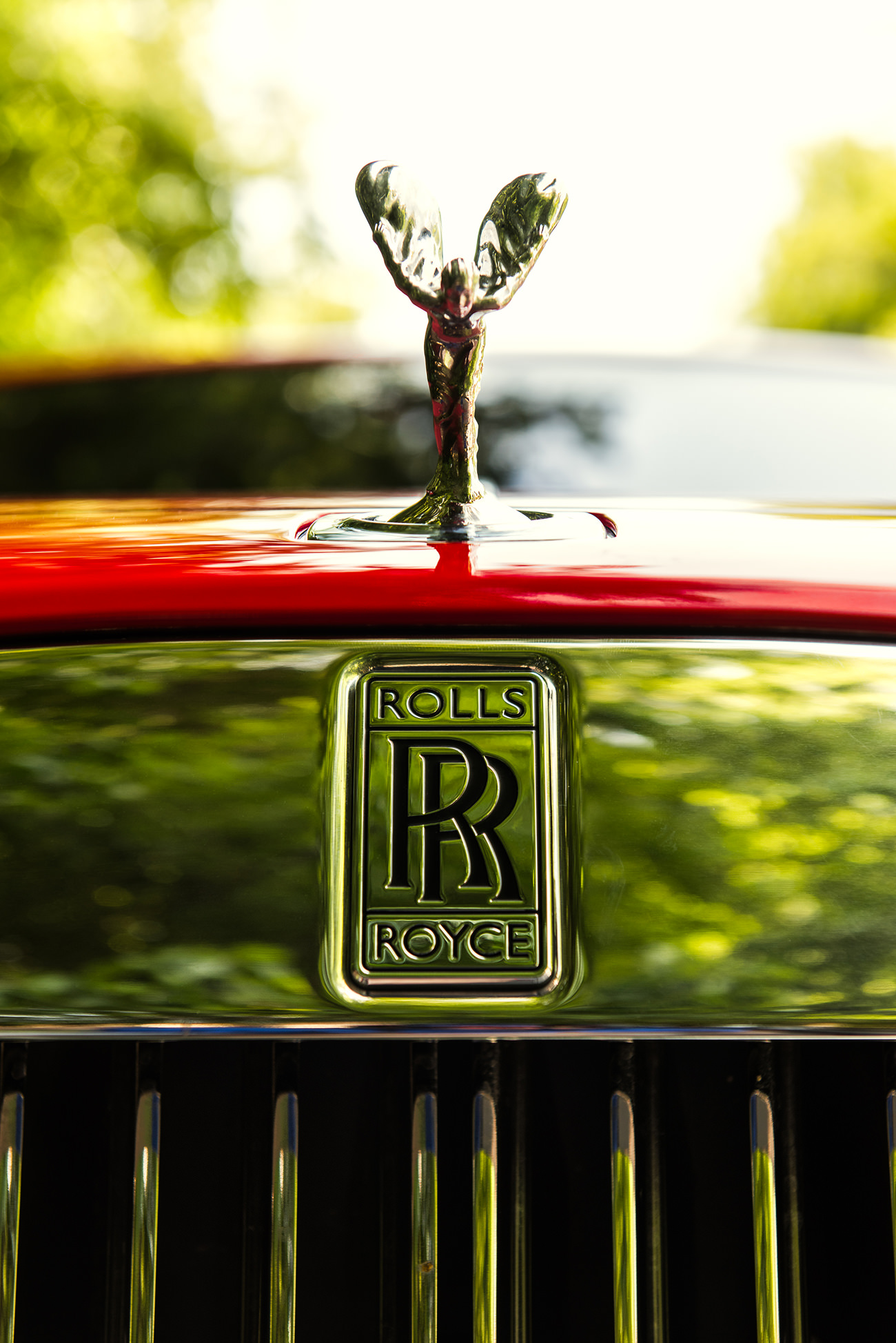 Rolls-Royce-Wraith-St-James-Red-8