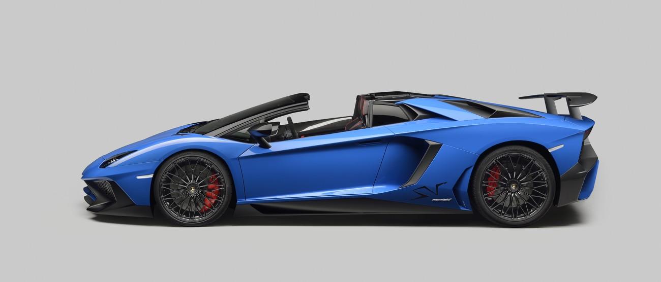Lamborghini-avendator-superveloce-2