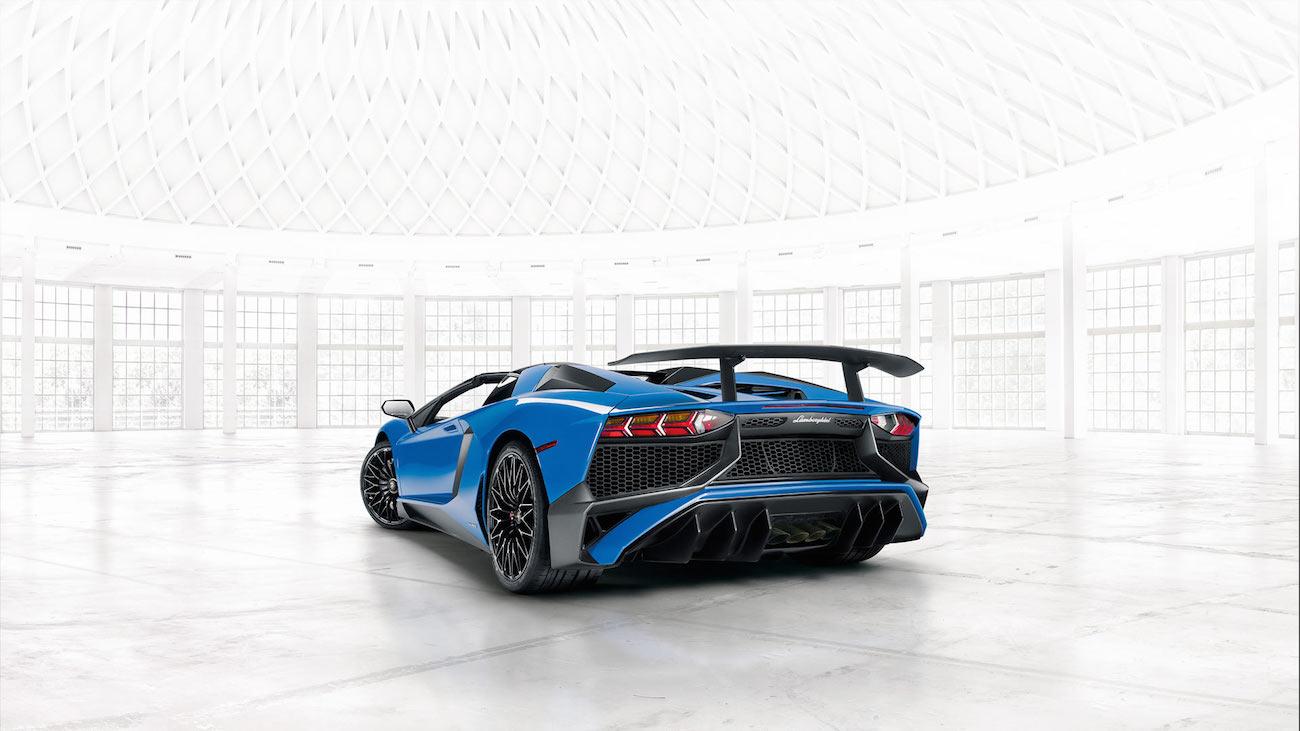 Lamborghini-aventador-superveloce-6
