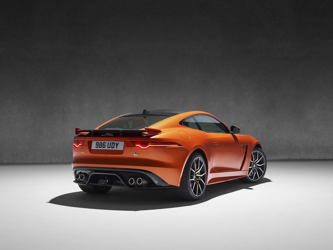 nouvelle jaguar f type svr voiture de s rie la plus rapide. Black Bedroom Furniture Sets. Home Design Ideas