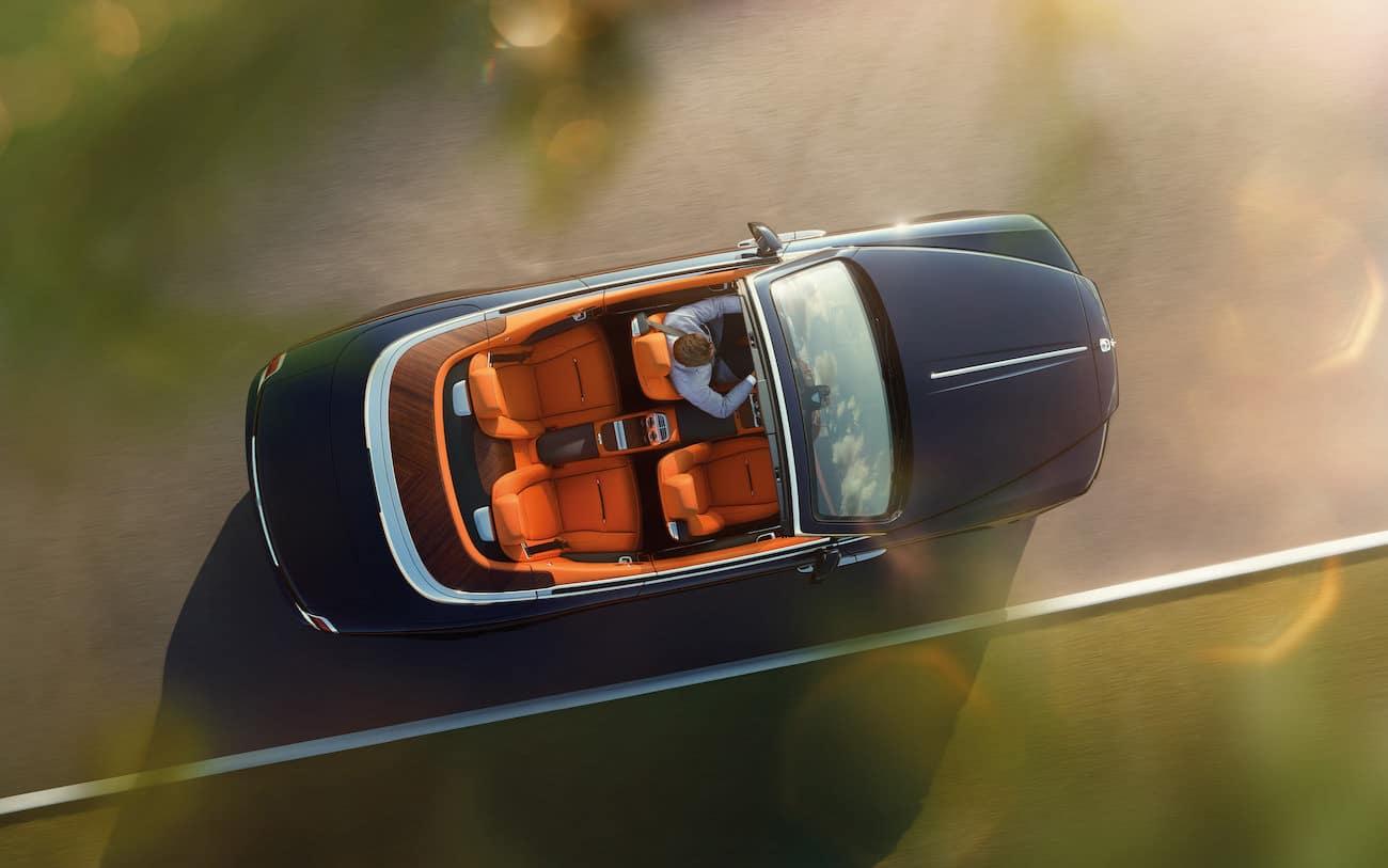 rolls royce dawn le cabriolet quatre places le plus luxueux du monde moderne. Black Bedroom Furniture Sets. Home Design Ideas