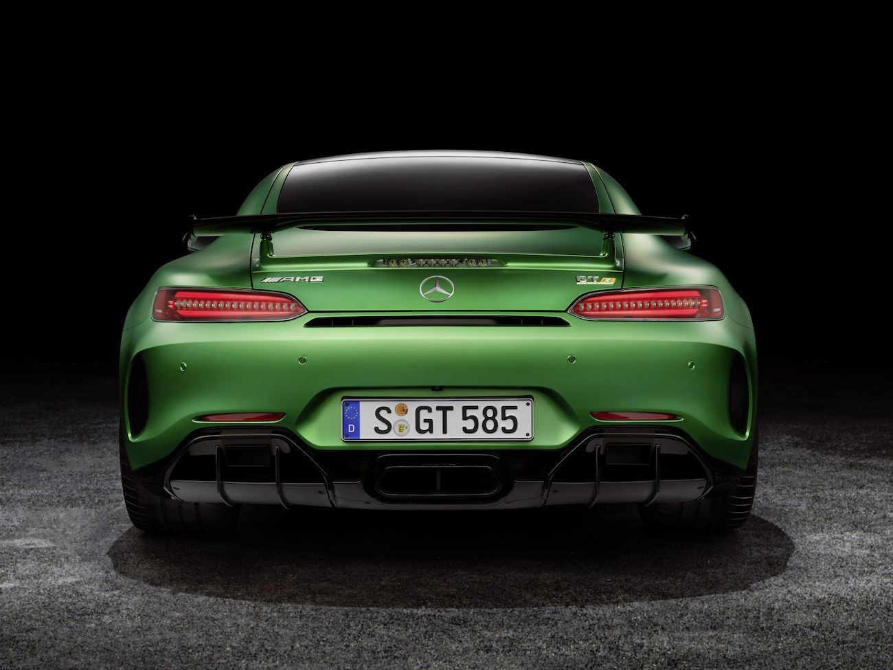 mercedes amg gt r des sensations incroyables sur route. Black Bedroom Furniture Sets. Home Design Ideas