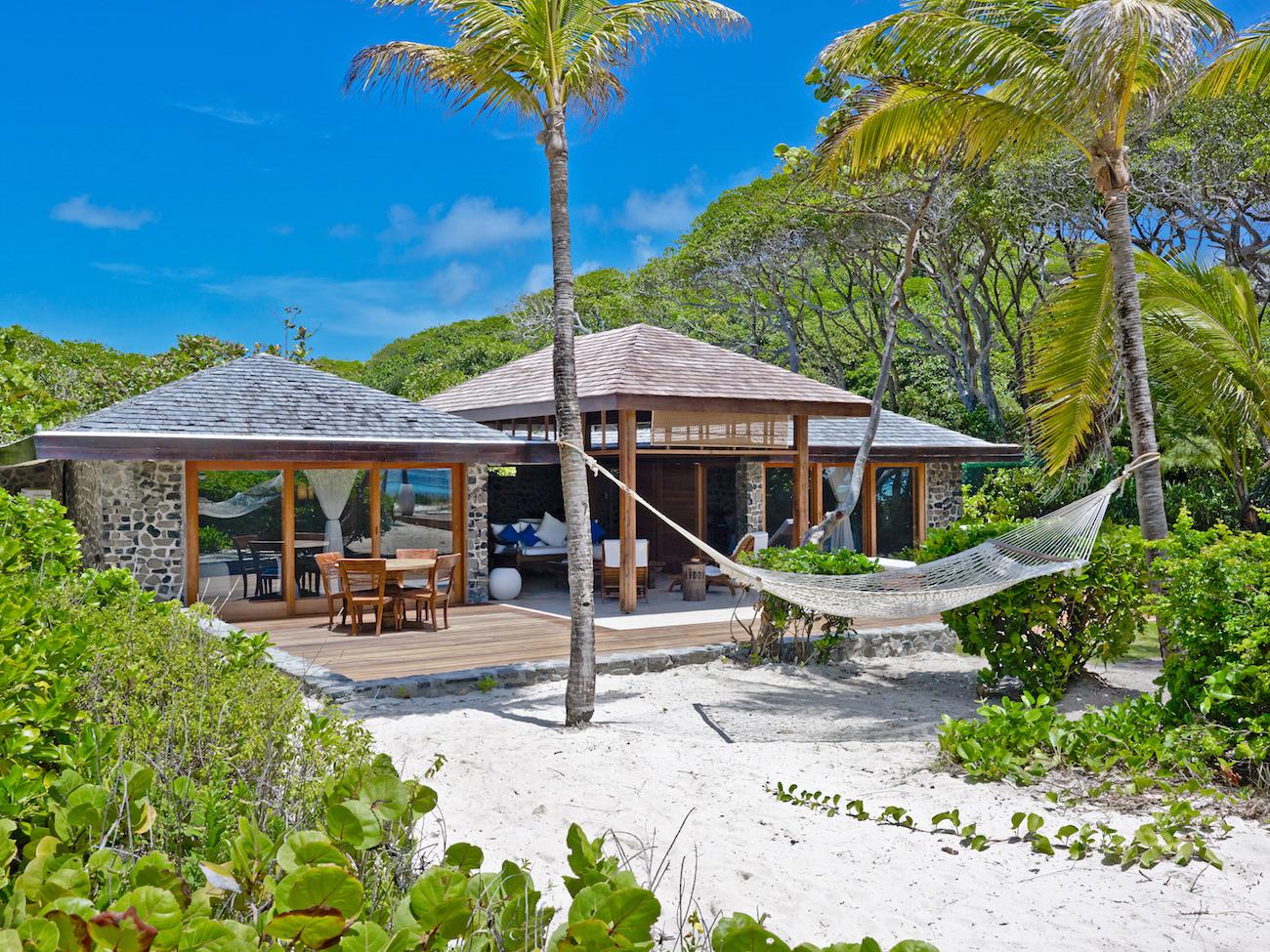 Petit St Vincent : louez une île au sud des Grenadines pour vous et vos amis uniquement