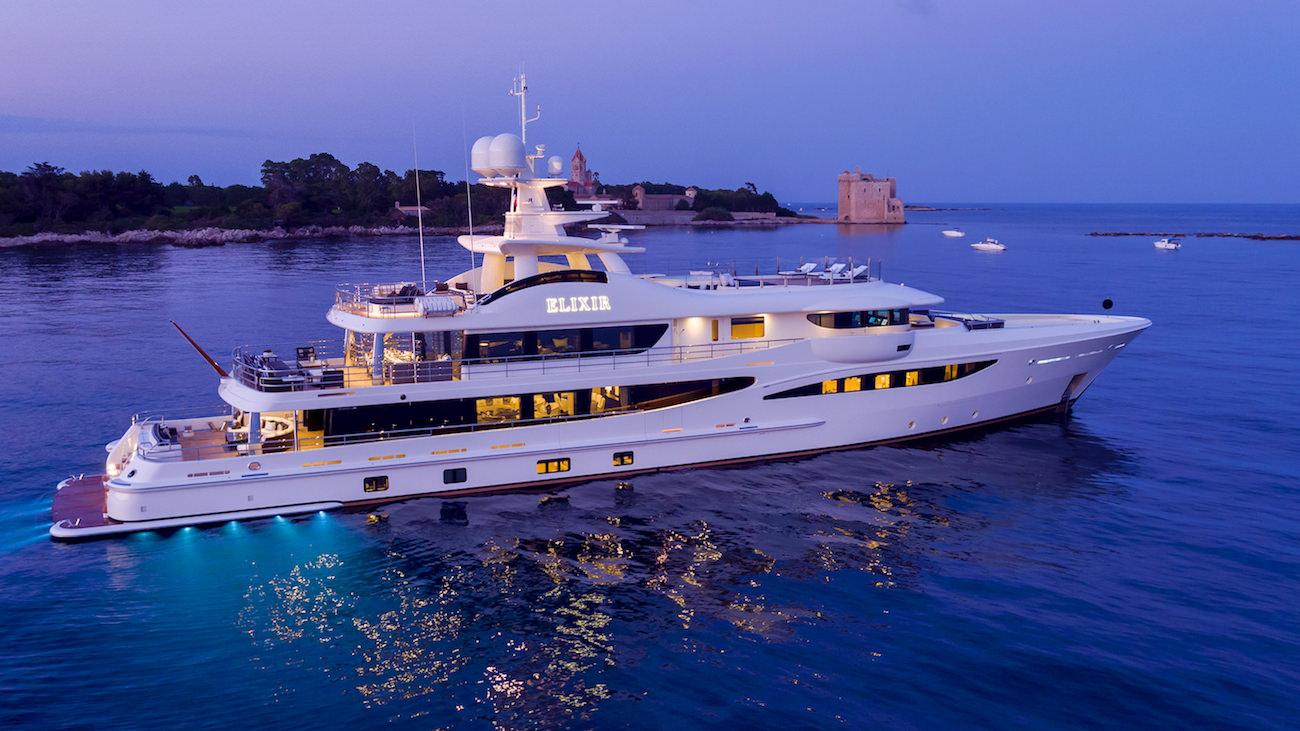 Amels ELIXIR yacht : réservez votre prochaine croisière à bord de ce nouveau yacht de 55 mètres