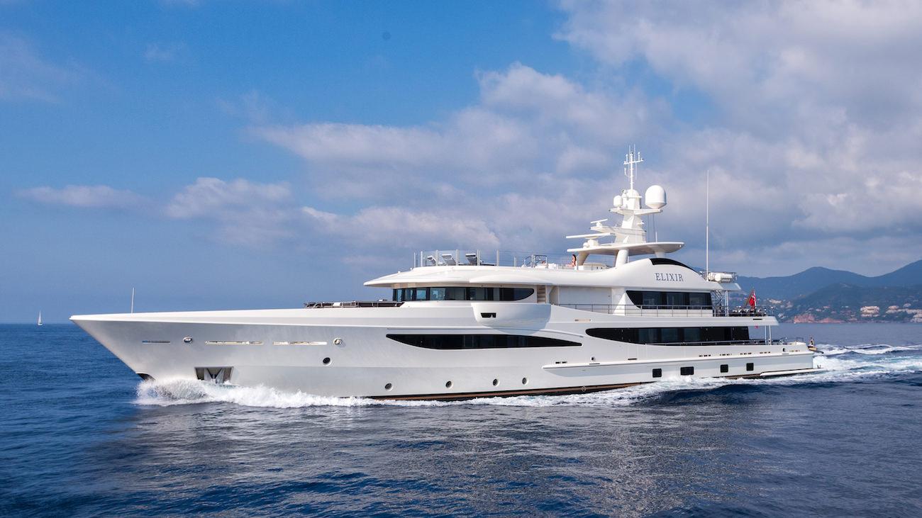 pr parez vous d couvrir le tout nouveau yacht elixir. Black Bedroom Furniture Sets. Home Design Ideas