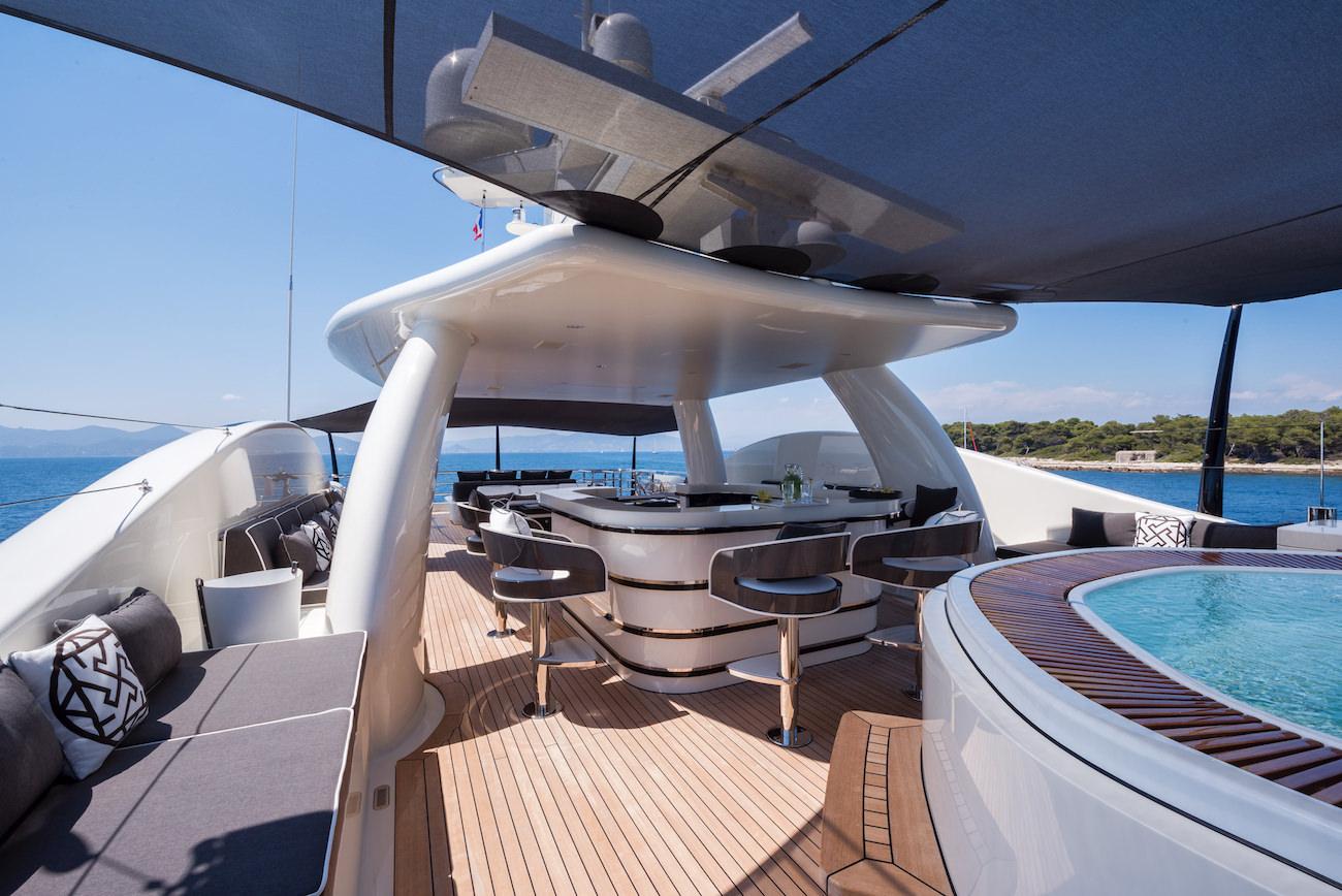 elixir-yacht-4