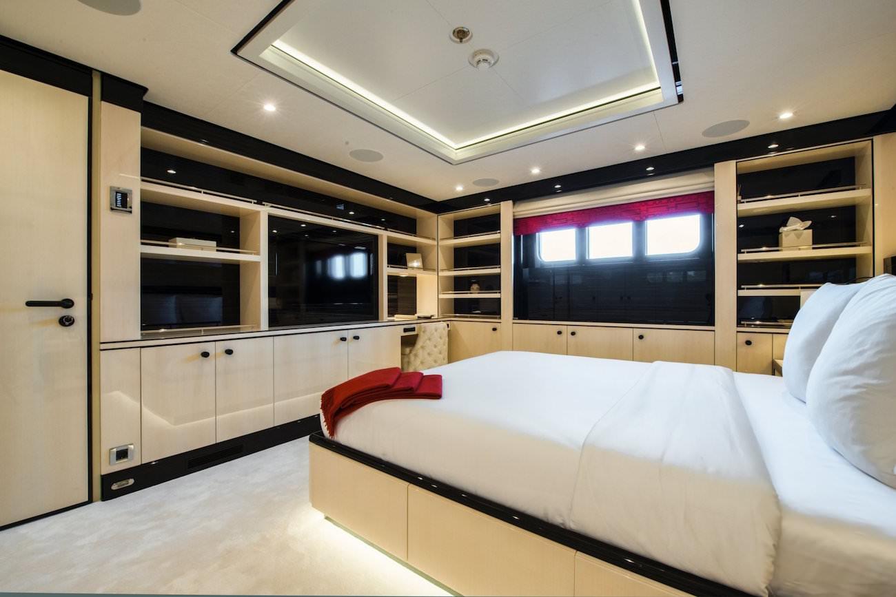 elixir-yacht-9