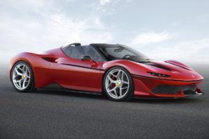 Ferrari éblouit le Japon en présentant l'un des dix exemplaires uniques de la Ferrari J50