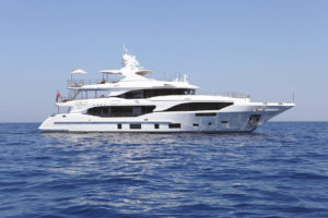 Benetti parvient à transformer son yacht de luxe Mediterraneo 116 en yacht familial