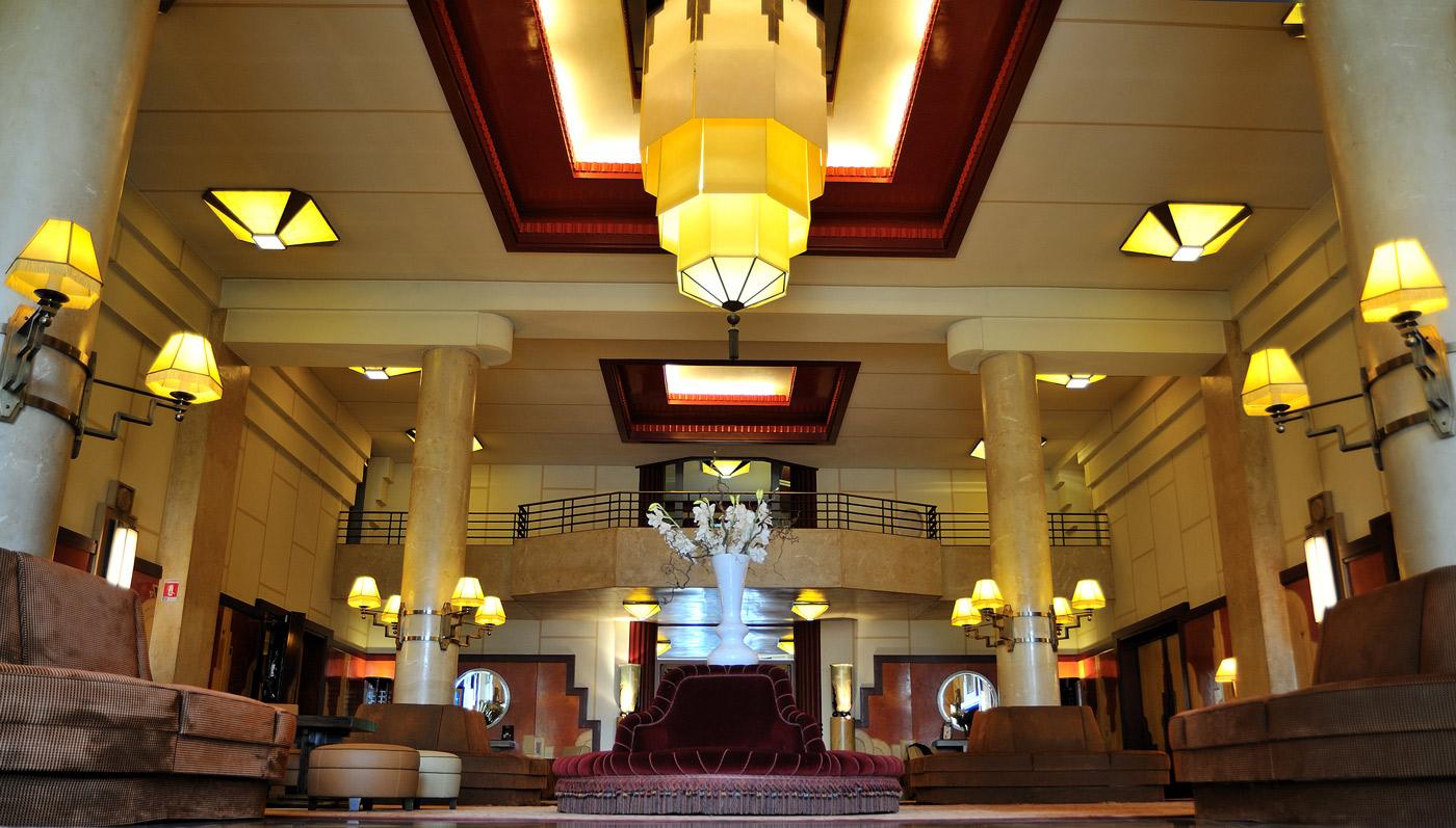 Grand h tel de divonne les bains un h tel majestueux face for Grand hotel des bains 07