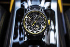 Roger Dubuis célèbre sa première collaboration automobile avec l'Excalibur Aventador S