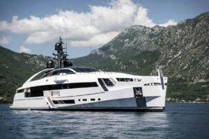 Rossinavi présente Aurora: un superyacht au design novateur