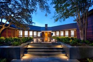 Découvrez cette magnifique propriété de 8000 mètres carrés sur les hauteurs d'Austin au Texas