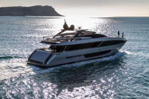Riva 100' Corsaro: le nouveau yacht à flybridge de Ferretti Group